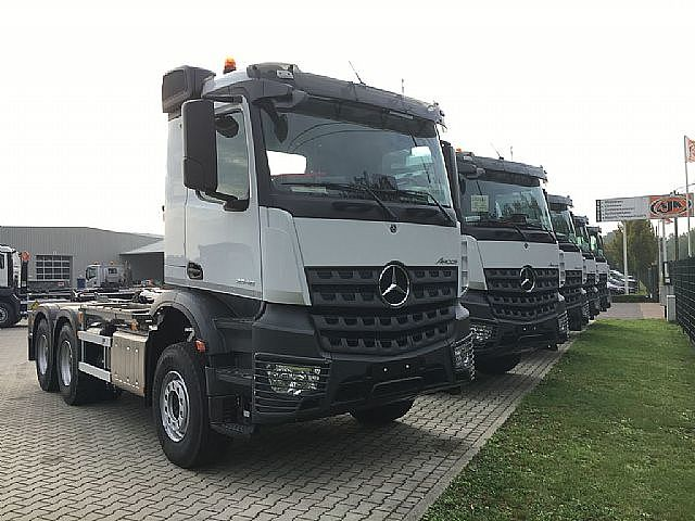 Mercedes-Benz Arocs Kipper 3346L